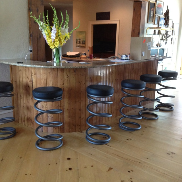 Merveilleux My New Barstools! Made From Train Spring Coils. Love Them!