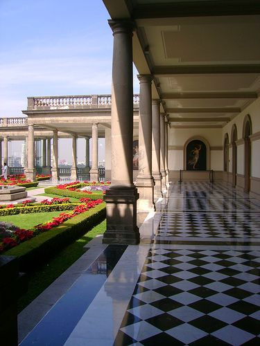 The former home of Mexican presidents and Monarchs, Castillo de Chapultepec, Mexico City