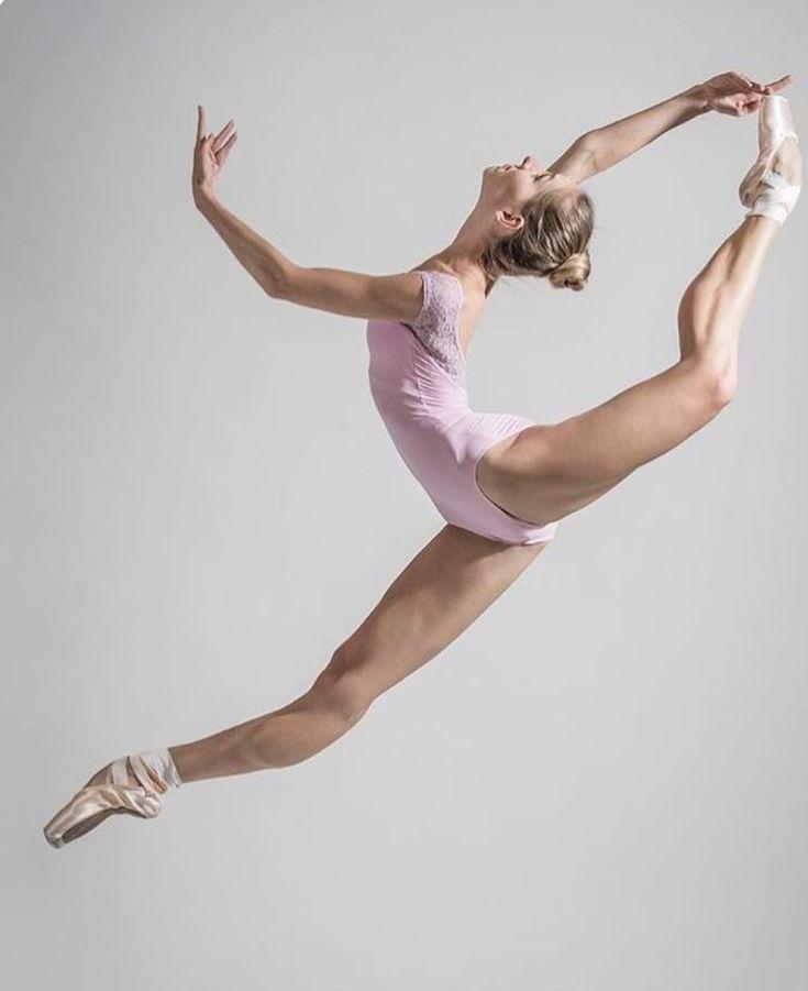 gibkost-balerin-foto-russkie-muzikalnie-klipi-s-zasvetom-trusov