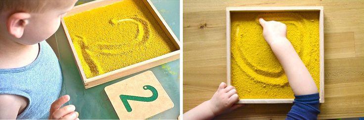 Alfabeto per bambini con lavagne di sabbia e giochi Montessori. Le lettere dell' alfabeto per bambini sono tra i giochi didattici più comuni