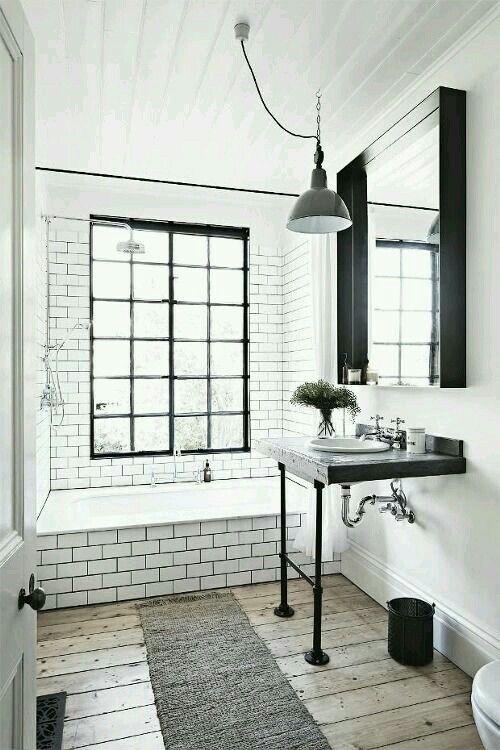 Balck and white bathroom!
