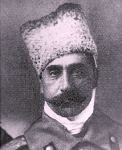 Persian Prince Seyfulla Mirza Ghajar (03.06.1864, Tblisi - 07.29.1926, Baku) - Colonel. Member of the First World War. As Colonel 208th Infantry. Lori shelf 08.01.1916 transferred to the 205th Infantry Regiment of Shamakhi (AM 08/01/1916). Colonel (v. 07.19.1915). Seyfulla Mirza Qajar was awarded the Golden St. George's arms February 19, 1917.