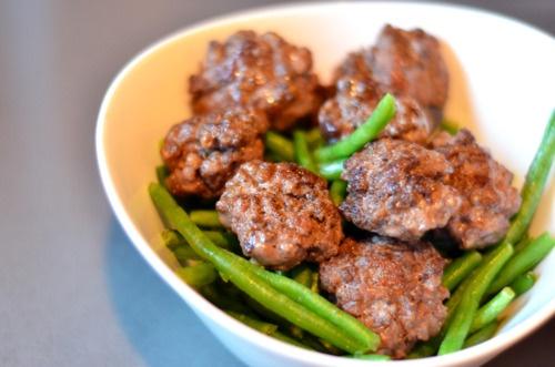 Paleo Turkish sliders over green beansDelicious Paleo, Maine Dishes, Food Inspiration, Name, Green Beans, Dishes Recipe, Paleo Prim Maine, Skinny Low, Paleo Turkish