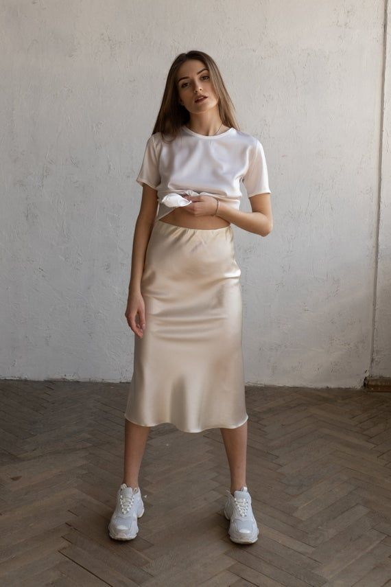 We created this listing to make it easier for you to find out which silk slip skirts (colors and sizes) are available for purchase right now. Every skirt has its own listing where you can find more photos and all the info: