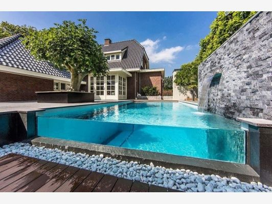 Open Glass Pool - Home and Garden Design Ideas
