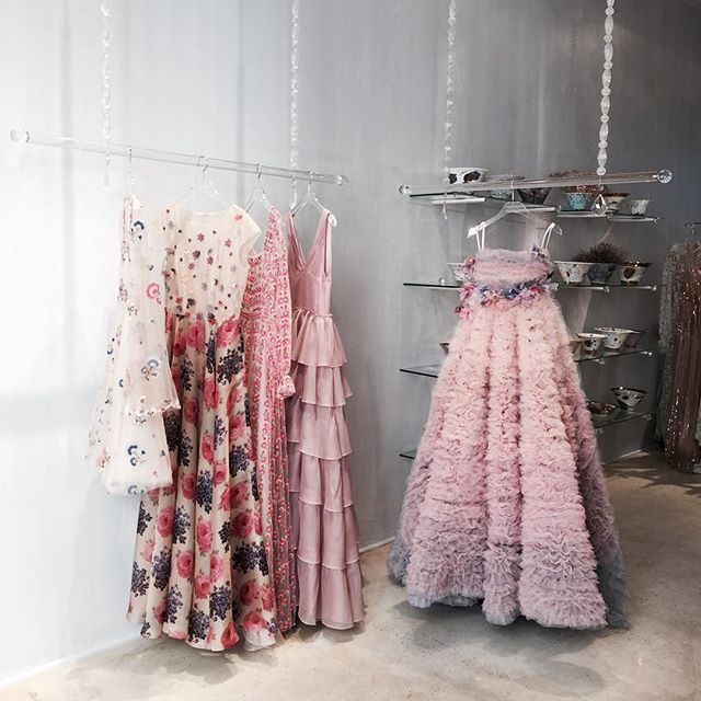 Breakfast in the lalaland of @luisabeccaria_official , choosing & screaming to find the right dresses for my beautiful bridesmaids #elebridetobe #luisabeccaria