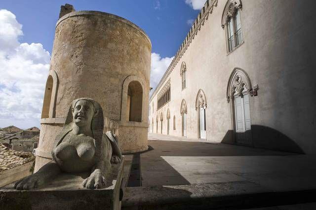 Castello di donnafugata, Montalbano la dimora dei Sinagra - Cerca con Google
