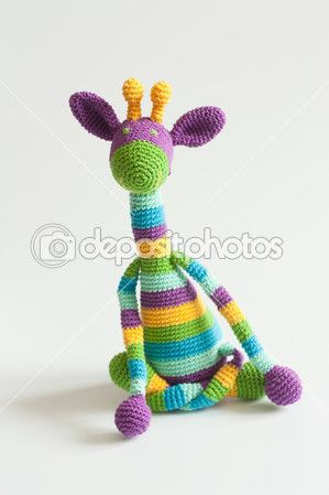 Girafa de crochê de arco-íris — Imagem de Stock #35272917                                                                                                                                                     Mais