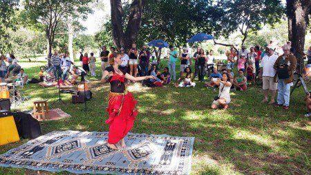 Artistas fazem shows em troca de cobertores na Funarte