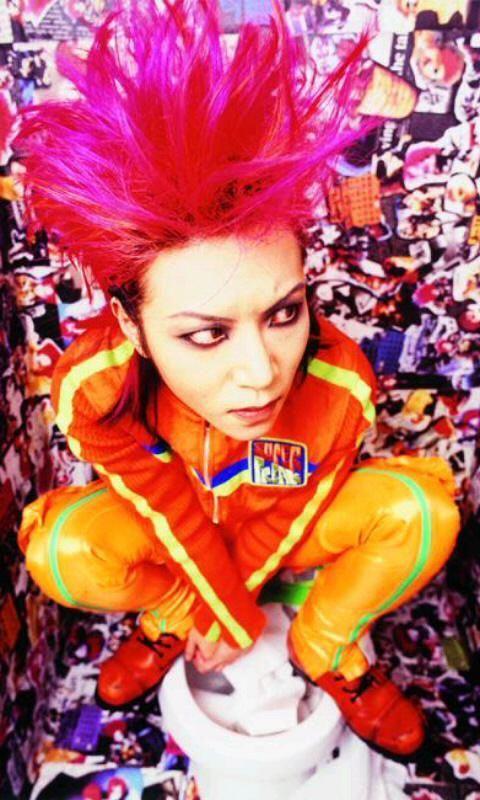 15th death anniversary of hide (former guitarist of X Japan) #hideMemorial <3