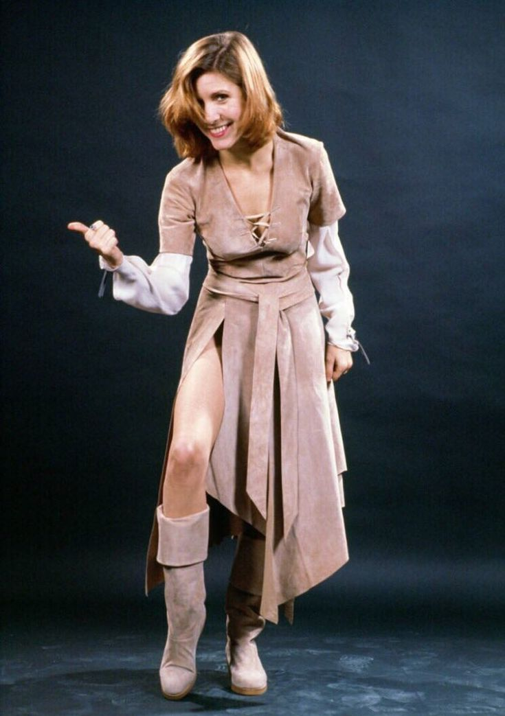 go see a star war   Carrie fisher princess leia, Carrie