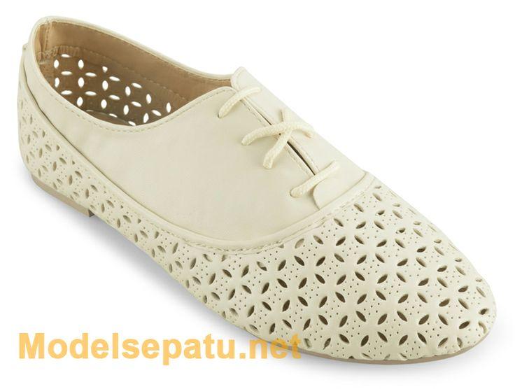 sepatu oxford wanita warna putih terbaru | Model Sepatu