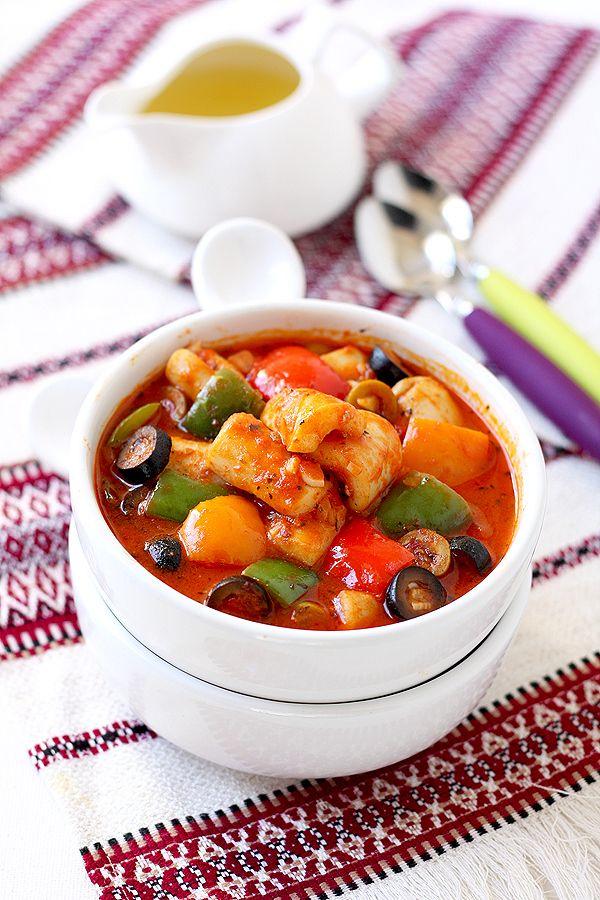 Кальмары в томатном соусе с сладким перцем и оливками - В гостях у Фиалки!