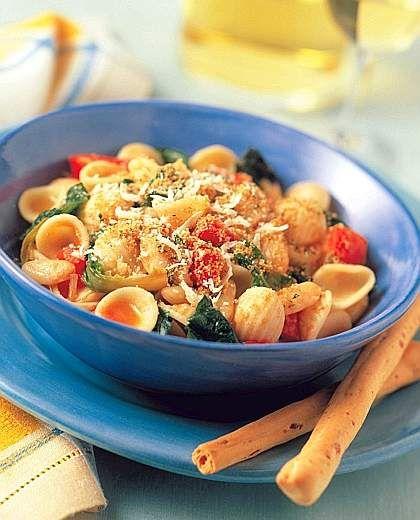 Un piatto fresco della #tradizione pugliese: #Orecchiette rucola,cacio ricotta e pomodorini da degustare con un Grezzo di Vigna Jo www.jo-le.com