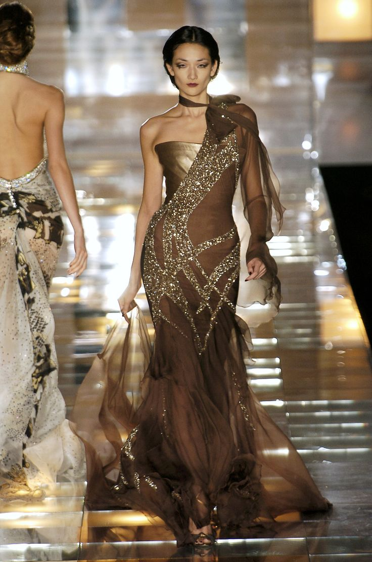 Elie Saab Fall 2004 Couture: Eliesaab, Fashion Weeks, Fashion Dresses, Ellie Will Be, Fashion Boards, Evening Gowns, Chocolates Brown, Elie Saab Couture, Couture Fashion