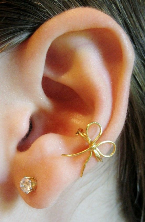I love this cute bow earringFashion, Style, Beautiful, Piercing, Bows Earrings, Ear Cuffs, Jewelry, Accessories, Ears Cuffs