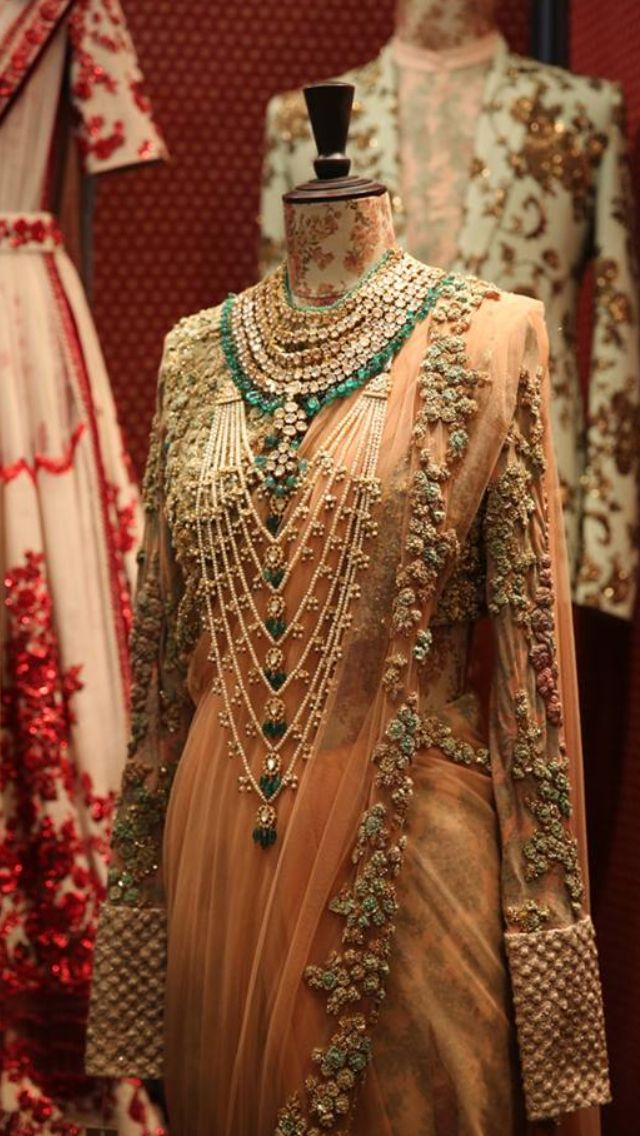 Indian bridal Jewellery, saree and blouse design. Bridal fashion.