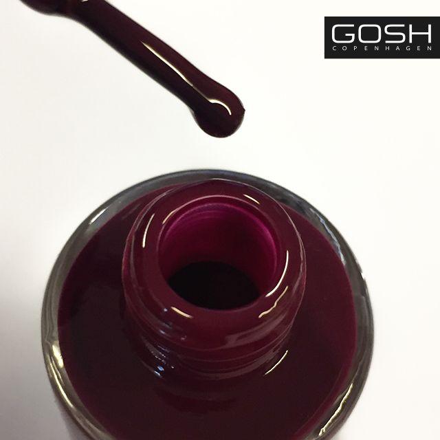 GOSH COPENHAGEN'S Nail Lacquer in 008 Berry Me!