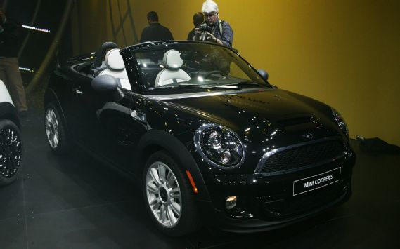 2012 Mini Roadster.   Mini's First-Ever Two-Seater Convertible.
