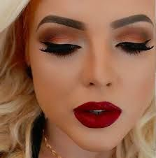 Resultado de imagen para maquillaje para ojos y vestido rojo