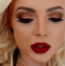 Maquillaje Paravestido Color Vino Tinto