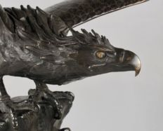 A magnificent, large, very fine cast model of a bronze eagle - Japan - 19th century (Meiji period)