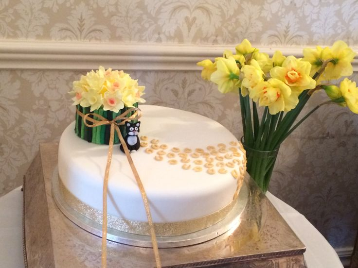 another daffodil cake :-)