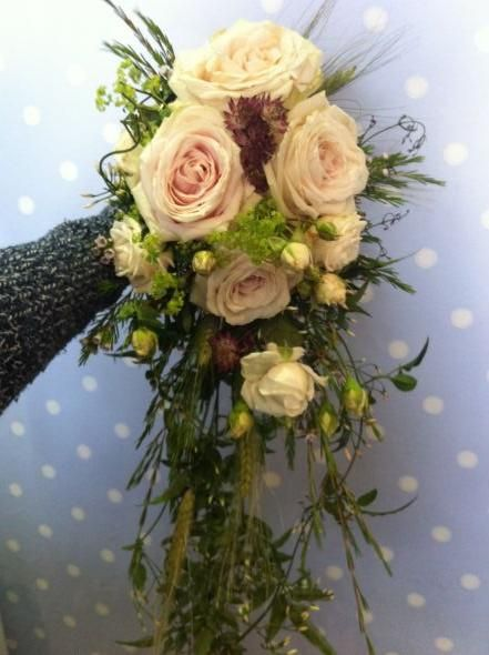 Bridal Bouquet In Mumbai : Best ideas about cascading bouquets on