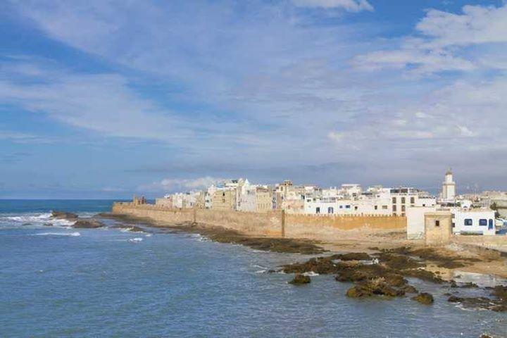 Si vous recherchez une voiture de location à Casablanca #Jazzcar saura égayer votre séjour. Présents sur tous les continents nous vous proposons un service professionnel au #Maroc. Vous êtes en quête d'une citadine pour stationner facilement en ville ? D'une berline confortable pour réaliser de longs trajets et admirer le littoral marocain ? D'un monospace pour transporter toutes vos valises et voyager en famille ? Vous préférez un SUV pour vous aventurer dans l'arrière-pays ? Notre service…