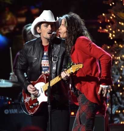 475 best Brad Paisley images on Pinterest | Brad paisley, Kimberly ...