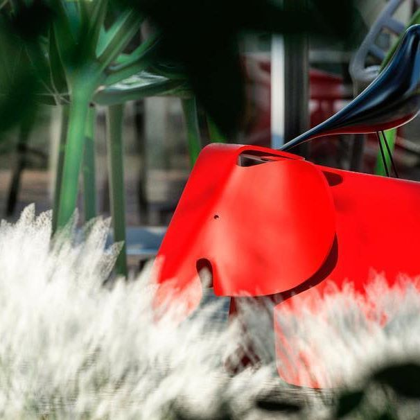 Eames Elephant + Housebird - piezas en escenarios desarrollados por el equipo de diseño de @VitrabyPavilion. #Vitra #vitrabypavilion #design #interiordesign #designlovers #designer #designporn #architecture #archilovers #architecturelovers #architectureporn #archdaily #archdesign #archdecor #architexture #arquitectura #arquitecturamx #architect #office #citizenoffice #furniture #contract #decor #decoration #eames #elephant #housebird #objects