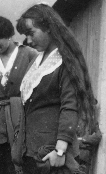 Closeup of 15-year-old Anastasia in 1916