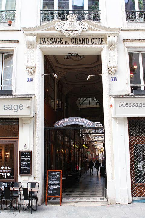 Le passage du Grand-Cerf, passage couvert situé dans le 2e arrondissement de Paris.