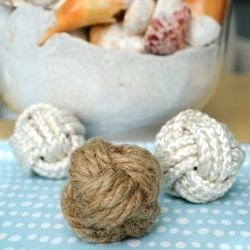 Create these tactile rope balls with washing line cord or jute
