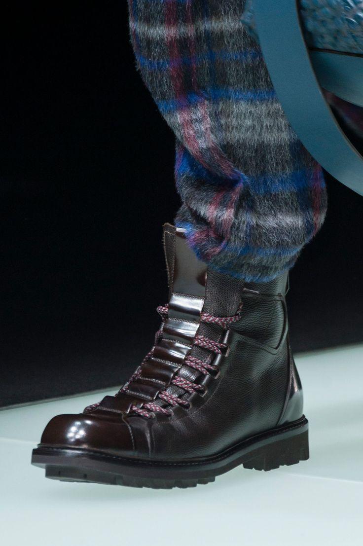 Giorgio Armani Fall 2018 Men's Fashion Show Details - The Impression - http://sorihe.com/mensshoes/2018/02/24/giorgio-armani-fall-2018-mens-fashion-show-details-the-impression/