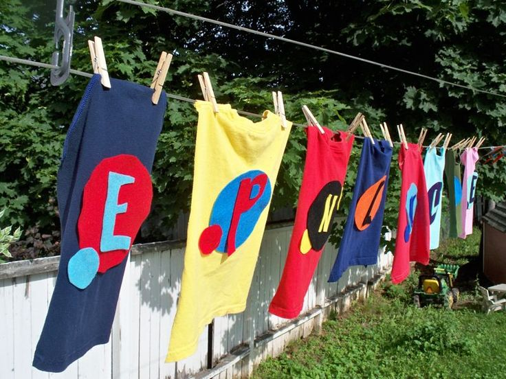 Kate's Kitchen: Super Why Birthday party Capes