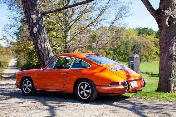 1968 Porsche 911. Love the colour