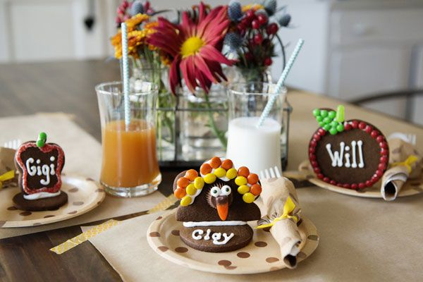 Welcome little guests warmly with these adorable Thanksgiving Cookie Place Cards.  Made of delicious gingerbread, once seen, these place cards won't last long! Decorate these cookies however you wish.