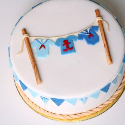 Tort na baby shower dla małego chłopca, przyszłego marynarza :) Pasowałby również na chrzciny i pierwsze urodziny