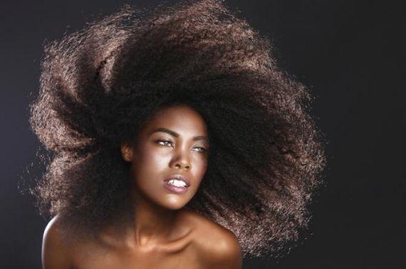 Concours HairFro, complément alimentaire accélérateur de pousse pour cheveux afro | Timodelle Magazine