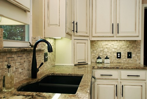 Split face travertine backsplash home ideas pinterest for Split face travertine kitchen backsplash