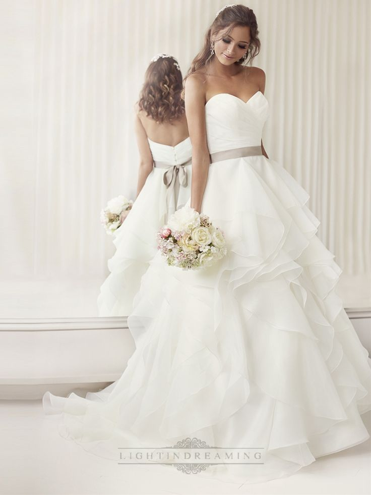 Elegant+Sweetheart+A-line+Ruched+Wedding+Dresses+with+Layered+Skirt