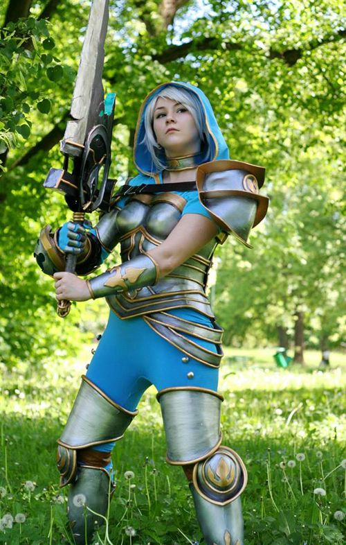 Redeemed Riven Cosplay | Video Game Cosplay | Cosplay ...
