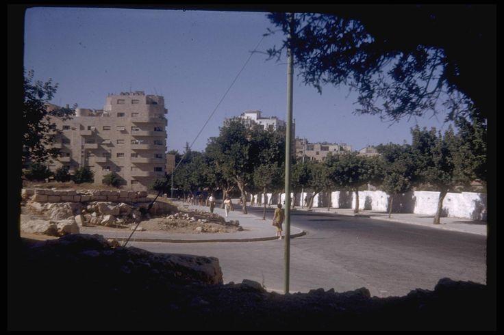 Keren Kayemet and King George street corner in Jerusalem, July, 1950. Katcoff collection.  רח' קינג ג'ורג' אוסף קטקוף