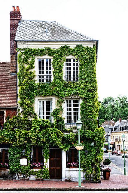 Auberge de l'Abbaye, #Normandy #green #house