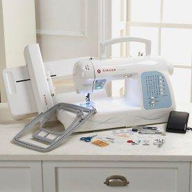 Macchina per cucire e ricamare Singer Futura XL-400 - 125 ricami in dotazione & 5 diversi tipi di carattere.