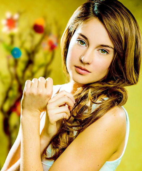 Shailene Woodley. OMG!!!! So pretty!!
