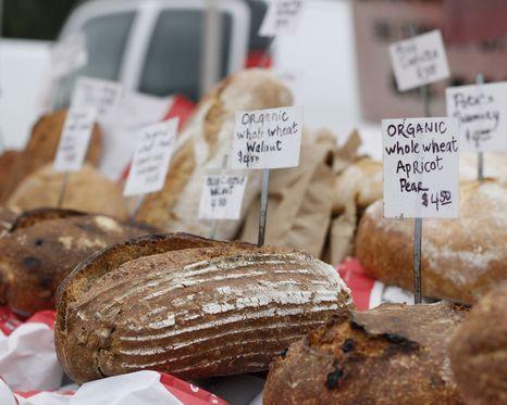 Goede mensen eten ambachtelijk brood. Of niet? – De Groene Amsterdammer
