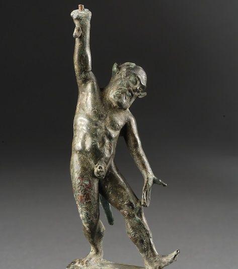 Kottabos di Vetulonia. Mura dell'Arce. Deposito votivo. Metà del V secolo a.C. Particolare con sileno danzante.