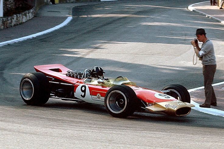 """Say """"cheese"""" - Graham Hill in Lotus 49"""